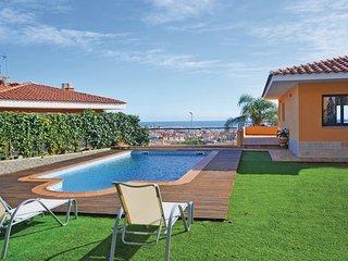 3 bedroom Villa in Calella de Mar, Costa De Barcelona, Spain : ref 2281060 - Calella vacation rentals