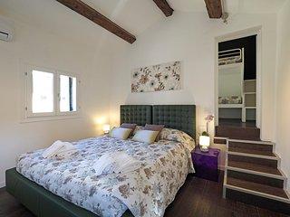 Majestic Rialto House - Venice vacation rentals