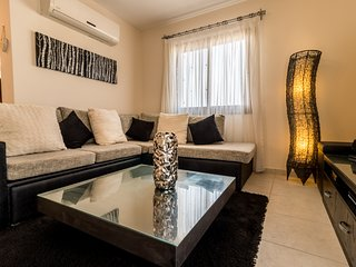 2-bed penthouse apartment with sea views on popular site with amenities - Bahceli vacation rentals