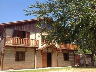 Cozy 2 bedroom Santo Antonio do Pinhal Chalet with Television - Santo Antonio do Pinhal vacation rentals