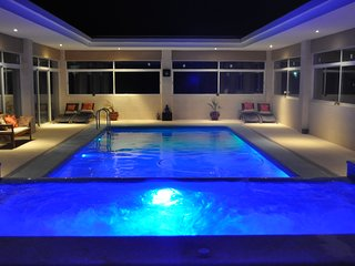 Bliss - Spacious 6 bedroom luxury house with amazing enclosed pool/jacuzzi - Pinoso vacation rentals