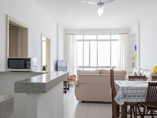 Apartment facing the sea in Guarujá, the real foot in the sand. - Guaruja vacation rentals