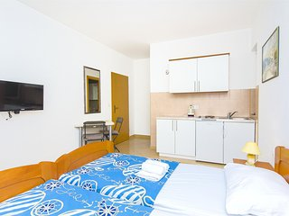 Nice Tucepi Studio rental with Internet Access - Tucepi vacation rentals