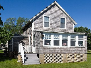 3 bedroom Cottage with Waterfront in Fairhaven - Fairhaven vacation rentals