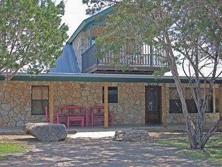 Gorgeous Home Near the Frio River-Casa De Colores - Concan vacation rentals