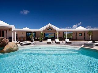 Bright Villa with Internet Access and Television - Marigot vacation rentals