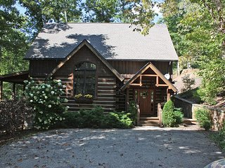 Wildflower Luxury Log Cabin #2 - Hot-Tub - Nature - Hiking Trails - Franklin vacation rentals