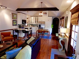 Centrally Located Historic Cottage with Every Modern Amenity - Charleston vacation rentals