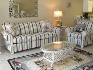 Sandpebble - 1D Newly Renovated! Pool off the Lanai - Sanibel Island vacation rentals