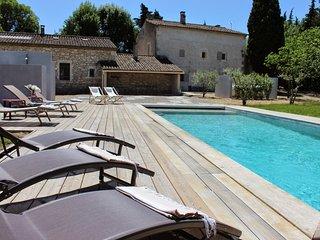 4 bedroom Villa with Parking in Saint-Remy-de-Provence - Saint-Remy-de-Provence vacation rentals