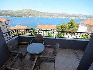 Cozy Okrug Donji Studio rental with Television - Okrug Donji vacation rentals