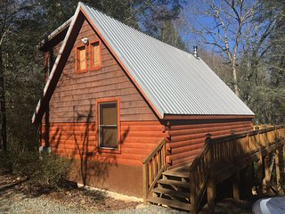 Broken Arrow Lodge- Great Cabin at a Great Price! One of a kind and affordable - Epworth vacation rentals