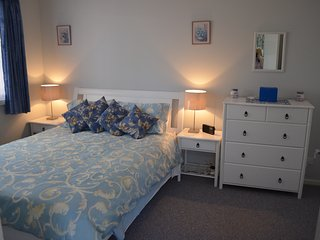 Comfortable 1 bedroom Wanneroo Bungalow with Washing Machine - Wanneroo vacation rentals