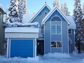F' Jor Season Chalet - Sit back and enjoy the Woodburning Fireplace! - Silver Star Mountain vacation rentals