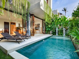 VILLA SOPHIA - NEW AND AFFORDABLE 4 BED VILLA, 400M TO DOUBLE SIX BEACH - Legian vacation rentals