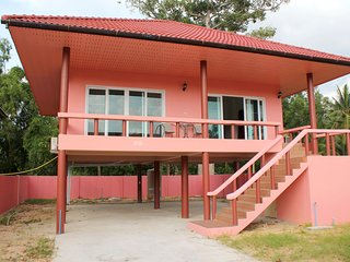 New 1 Bedroom House 100m to Beach - Maret vacation rentals