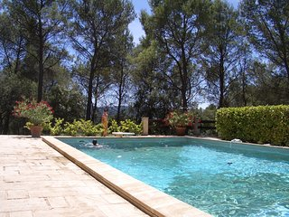 Nice Villa with Internet Access and Garage - Puget vacation rentals