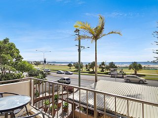 Kirra Vista 9- Beachfront, renovated unit! - Bilinga vacation rentals