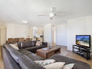 Centre Court 24 Kirra - Kirra Beachfront & Central - Bilinga vacation rentals