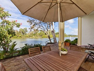 Botanical Park * Currumbin - Absolute Waterfront - Currumbin vacation rentals