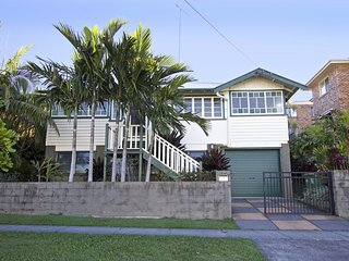 The Queenslander - Pets Welcome! - Coolangatta vacation rentals