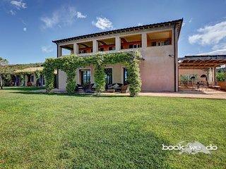 6 bedroom Villa with Internet Access in Borgo Carige - Borgo Carige vacation rentals