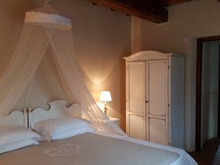 """Casale con piscina e idromassaggio per vacanze in Umbria:""""Appartamento Vaniglia"""" - Precetto vacation rentals"""