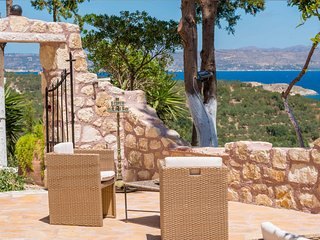 Charming Villa with Television and Water Views - Aspro vacation rentals