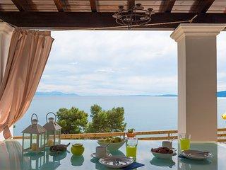 sea view homey vacations, elegant, bright villa with 3 bedrooms & 2 bathrooms - Perama vacation rentals