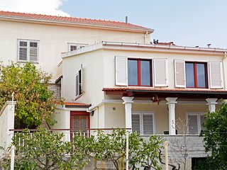 3 bedroom House with Internet Access in Vela Luka - Vela Luka vacation rentals
