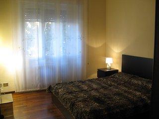 Grazioso appartamento in  zona residenziale, ma vicino al centro città - Pavia vacation rentals