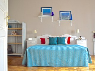 SPECIAL OFFER feb/march - Elegance by the National Theatre - BOOK NOW! - Prague vacation rentals