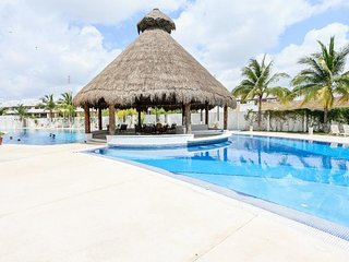 Perfect House with A/C and Wireless Internet - Isla Conroy vacation rentals