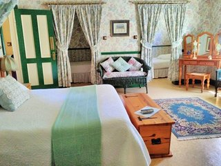 A Pilgrim's Rest Guesthouse Room no 4 - Family Room - Graskop vacation rentals