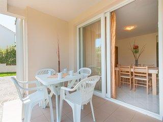 Bright Privlaka Studio rental with Internet Access - Privlaka vacation rentals
