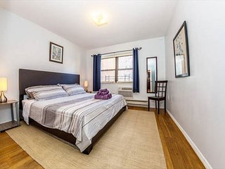 Cute and Comfortable Astoria 1 Bdr Apartment - Astoria vacation rentals