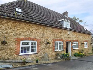 ALDRICH COTTAGE, ground floor bedroom, beautiful shared grounds, shared - Radstock vacation rentals