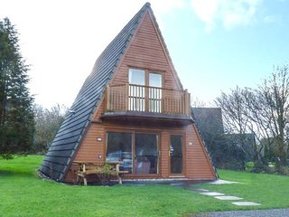 22 WATERSIDE CORNWALL, detached lodge with balcony, on-site swimming pool and - Lanivet vacation rentals