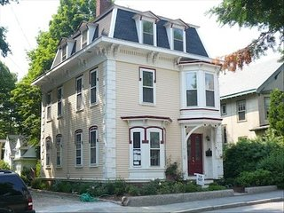 Beautiful First Floor 2 BR Condo in Manchester - Manchester by the Sea vacation rentals