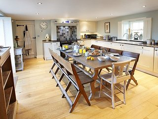 Charming House with Internet Access and Central Heating - Long Marton vacation rentals
