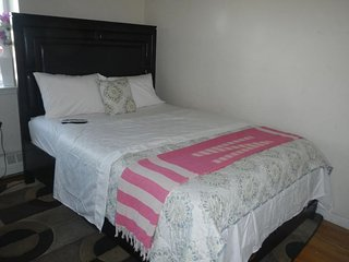 1 bedroom Condo with Internet Access in Bronx - Bronx vacation rentals