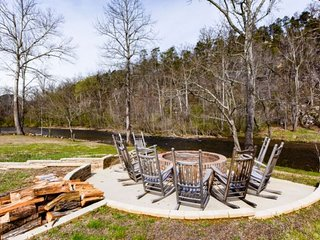 Perfect Condo with Deck and Shared Outdoor Pool - Townsend vacation rentals
