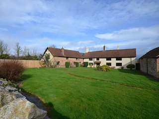Lovely 7 bedroom Corfe House with Internet Access - Corfe vacation rentals