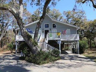 """1619 Lybrand St. - """"Edisto Sunset"""" - Edisto Beach vacation rentals"""