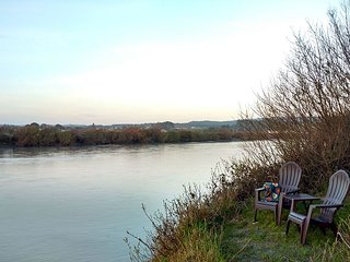 River Side Getaway~ Enjoy Wildlife, Long walks on Beach, Paddle on River, - Arcata vacation rentals