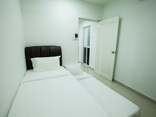 Romantic 1 bedroom House in Kota Bharu with Internet Access - Kota Bharu vacation rentals