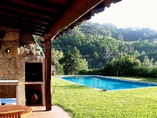 Lovely 2 bedroom House in Geres with Shared Outdoor Pool - Geres vacation rentals