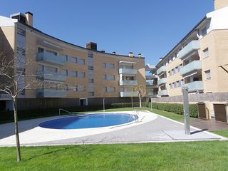 IDEAL FAMILY APARTMENT WITH SWIMMING POOL AND GARAGE ref OSCAR - Tossa de Mar vacation rentals