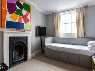 onefinestay - Albion Street private home - London vacation rentals