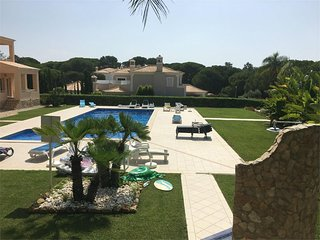 Vilas Alvas - Beautiful 2 Bed Apartment Central Location close to Beach - Quinta do Lago vacation rentals